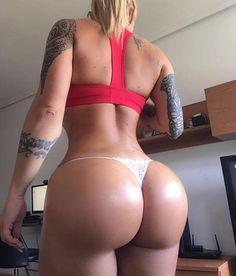 Lululemon instagram blogger blonde big tits big butt