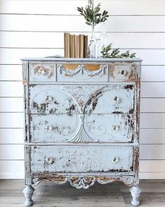 Shabby Chic Decor elegant and warm detail - Cozy and Georgeous touch. shabby chic inspiration home decor nice and canny example status presented on this day 20190125 , Shabby Chic Mode, Shabby Chic Stil, Shabby Chic Bedrooms, Shabby Chic Kitchen, Shabby Chic Decor, Kitchen Linens, Cozy Bedroom, Modern Bedroom, Rustic Wood Furniture