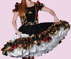Huasa chilena, Vestidos de china! Dance Dresses, Holi, Traditional, Sewing, Fashion, Hillbilly Costume, Costumes, Outfits, Home