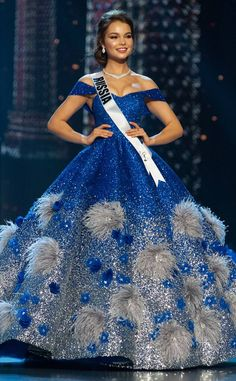 Miss Russia from Miss Universe 2018 Evening Gown Competition Yulia Polyachikhina Dressy Dresses, Club Dresses, Miss Universe Dresses, Miss Mondo, Bridal Corner, Pageant Girls, Online Dress Shopping, Shopping Sites, Pakistani Girl