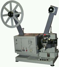 Fumeo super8 Movie Projector, Jack In The Box, Movie Camera, Video Film, The Good Old Days, Vintage Pictures, Gopro, Videos, School