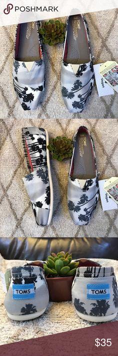 🖤TOMS Shoes 🖤 New with tags🖤🖤New with tags Toms Shoes Espadrilles