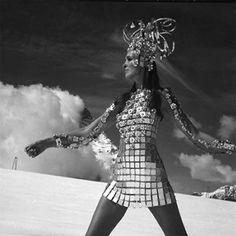 Robe de légende, robe aluminium Paco Rabane