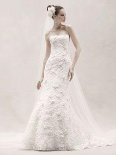 5 Favorite Wedding Dresses from Oleg Cassini, Spring 2012 | OneWed    my dress<3<3<3