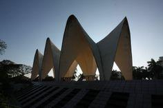 তিন নেতার মাজার ।। ইতিহাসের উত্তরাধিকার ঢাকা মহানগরী ।। the grave yard of three leaders in  - dhaka the capital city of bangladesh  the heritage  of 500 years ..... copyright:abdul malek babul