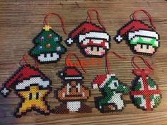 Christmas Perler Beads, Diy Perler Beads, Perler Bead Art, Pearler Beads, Hama Beads Patterns, Beading Patterns, Yarn Crafts, Bead Crafts, Pixel Art Geek