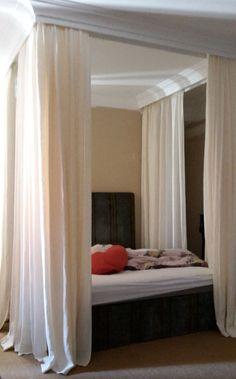 Himmelbett Vorhang für Romantiker. Ich fertige Ihren ganz speziellen Vorhang für Sie an, Romantik pur. Rufen Sie mich an: 08802/9138965.