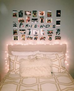 70 Genius Dorm Room furnishing ideas for the small budget - Room decor . 70 Genius Dorm Room ideas for the small budget - Room decor - ideas Cute Room Ideas, Cute Room Decor, Room Decor With Lights, Picture Room Decor, Diy Room Ideas, Tumblr Rooms With Lights, Grey Room Decor, Bedroom Decor Lights, Photo Room