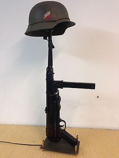 Military Army Gun Table Lamp Feldgrau Wehrmacht waffen mp40 German Helmet