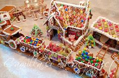 Gingerbread House Kits, Gingerbread Village, Gingerbread Man, Christmas Traditions, Pepper, Santa, Cookies, Holiday, Food