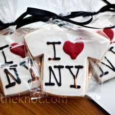 New York-themed cookies (t-shirts, taxi cabs and Broadway street signs) were the perfect touch of local favor for the Brooklyn wedding overlooking the Manhattan skyline.