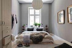 Naturmaterial och harmoni - kika in i veckans hem! Scandinavian Apartment, Scandinavian Interior Design, One Bedroom Apartment, Grey Walls, Best Interior, Small Apartments, Decoration, Living Room, Cozy Living