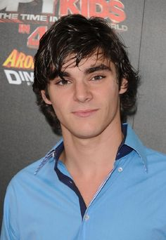"R.J. Mitte from ""Breaking Bad"". He has the same affliction as his character Walt Jr. but not as harsh. He had to learn to walk on crutches and slur his speech for the show"
