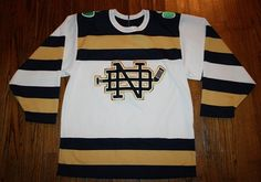 Vintage CCM NOTRE DAME Fighting Irish Hockey JERSEY shirt-Adult S/M-white/SEWN