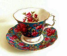 "Vintage Royal Albert Bone China Teacup w/ Saucer Merrie England Series ""Harewood"" Antique China, Vintage China, Vintage Tea, Café Chocolate, Antique Tea Cups, Tea Art, China Tea Cups, My Cup Of Tea, Teller"