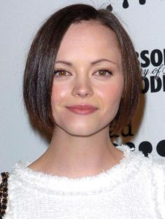 Christina Ricci Bob Haircut | Christina Ricci Hairstyles - March 27, 2004 - DailyMakeover.com