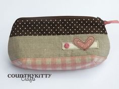 pouch with heart heart - brown and pink by countrykitty, via Flickr: