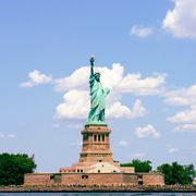 The Statue of Liberty-Ellis Island Foundation Will Uncover Your Family's NYC History From Home - Secretnyc Ellis Island, Empire State Building, Liberty New York, Times Square, Island Pictures, Conceptual Design, Album Photo, Private School, 30 Day Challenge