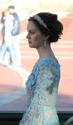 Blair Waldorf in Elie Saab Couture. Good profile/hair and jewelry idea.