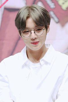 Wanna-One - Park Jihoon Park Jihoon Produce 101, Bae, Cho Chang, Produce 101 Season 2, Child Actors, Kim Jaehwan, Ha Sungwoon, Kpop, My Tumblr