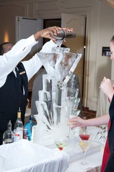martini ice sculptures will add a great deal of interest to the deciration of the party