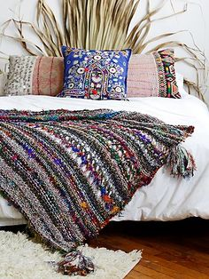 Bedroom inspiration // Coco Banana Blanket   A colorful knit blanket for a unique and cozy way to warm up on chilly days.