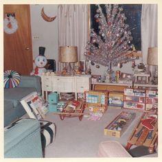 "60s' ""somewhere"" Christmas morning"