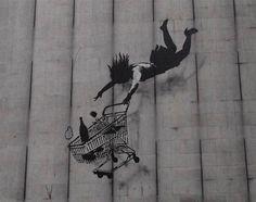À la fois peintre, réalisateur et grapheur, le mystérieux Banksy (qui camoufle toujours sa véritable identité) donne depuis une dizaine d'années, à la manière d'un Ernest Pignon, ses lettres de nobles