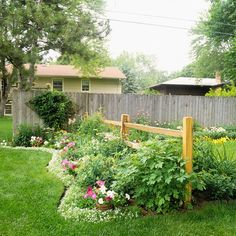 Love the idea of a little country fence across the yard.