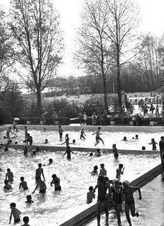 Zwembad De Poeloever met ligweide aan De Poel