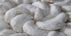 The soft snow white cookie Cookie Recipes, Dessert Recipes, Rice Recipes, Prince Cake, Indonesian Cuisine, Traditional Cakes, Egg Rolls, Biscuit Recipe, Original Recipe
