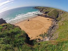 Artist Tony Plant Transforms the Beaches of England into Swirling Canvases | Just Imagine – Daily Dose of Creativity