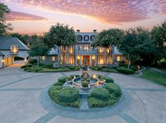 Love the grand driveway entrance! Gorgeous...& speaking of gorgeous, look at the sky!
