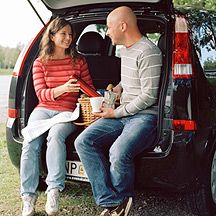 Top 10 Road Trip Snacks: Hitting the road? Keep your travel treats healthy and light and you'll sail past those fat-trap rest stops.