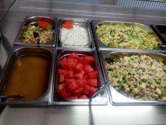 Juvakodilla sunnuntain lounassalaatit, herkullista ja värikästä!