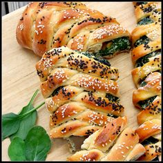 Challah Bread With Spinach & Ricotta+ From What About Second Breakfast Kosher Recipes, Vegan Recipes, Israeli Food, Second Breakfast, Savoury Baking, Jewish Recipes, Bread And Pastries, Challah, So Little Time