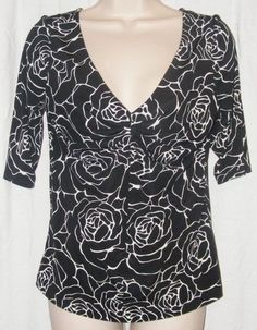 $15.99   White House Black Market Rose Abstract Low Cut Stretch 3/4 Sleeve Top M