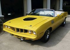 Ten Highly Sought After Classic Cars - Plymouth Hemi 'Cuda convertible Plymouth Barracuda, Convertible, Plymouth Muscle Cars, Pony Car, Car In The World, American Muscle Cars, Mellow Yellow, Chevrolet Camaro, Chevy