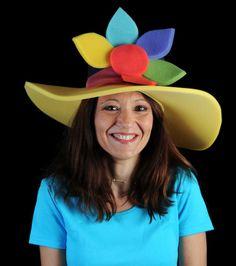 Pamela con flor | Categoría Estandar | Nuestra colección de gorros de gomaespuma originales y divertidos Crazy Hat Day, Crazy Hats, Felt Crafts, Diy Crafts, Funny Hats, Neon Party, Childrens Party, Little Sisters, Headdress