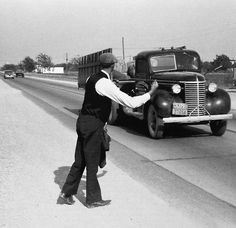 Hitchhiker Texas 1939   Photo: Russell Lee