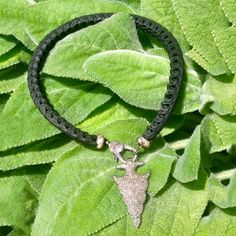 Back in Black. ♡♡♡ #scarterdesigns #snake #vertebrae #pavediamond #arrowhead #jewelry #necklace #bohochic #bohemia #instyle #obsessed