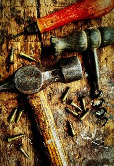 Vintage carpentry tools. Woodwork  Enjoying Life Home Is Where The Art Is Handmade Close-up No People Daytime Hammer Screws Wood Working Carpenter Carpentry Tools Build Home Is Where The Art Is