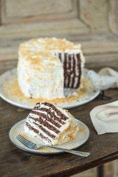 Kókuszos torta | Street Kitchen Hungarian Cake, Hungarian Recipes, Cookie Recipes, Dessert Recipes, Torte Cake, Winter Food, Cakes And More, Cake Cookies, Street Food