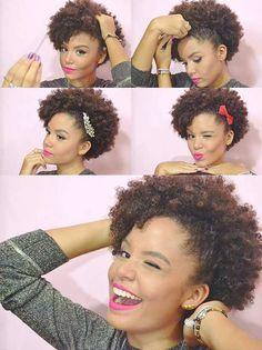 PRESO LATERAL: jogue o cabelo pro lado, vá puxando e prendendo com grampinhos. Você pode deixar bem de lado ou nem tanto. Fica a seu critério! Não pare de colocar grampos até você ver que ficou bem firme, ok? Dependendo da ocasião, e se você quiser, pode enfeitar com alguma presilha ou lacinho. Fica show!