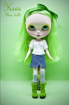 Kiwi by Itxu dolls.....those BOOTS tho!!