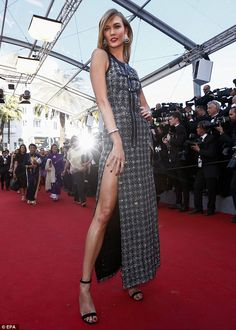 A look with legs! The model beauty almost suffered a wardrobe malfunction thanks to the ey...