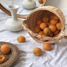 orange aesthetic light korean soft minimalistic kawaii cute g e o r g i a n a : a e s t h e t i c s Orange Aesthetic, Aesthetic Colors, Aesthetic Food, Aesthetic Fashion, Aesthetic Light, Aesthetic Beauty, Aesthetic Pics, Pescatarian Recipes, Theme Color