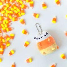 Pusheen fall keychain
