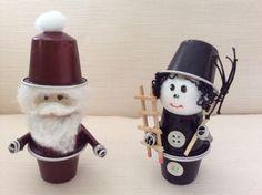 Pupazzetti realizzati con cialde caffè nespresso da Vilma Perego milano Decoration Haloween, Diy Halloween Decorations, Christmas Decorations, Christmas Craft Fair, Christmas Crafts To Make, Cup Crafts, Diy And Crafts, Dosette Nespresso, Upcycled Crafts