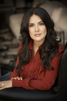 Salma Hayek - just gorgeous! Salma Hayek Style, Salma Hayek Hair, Salma Hayek Pictures, Beautiful People, Beautiful Women, Actrices Hollywood, Models, Corsage, Beautiful Actresses